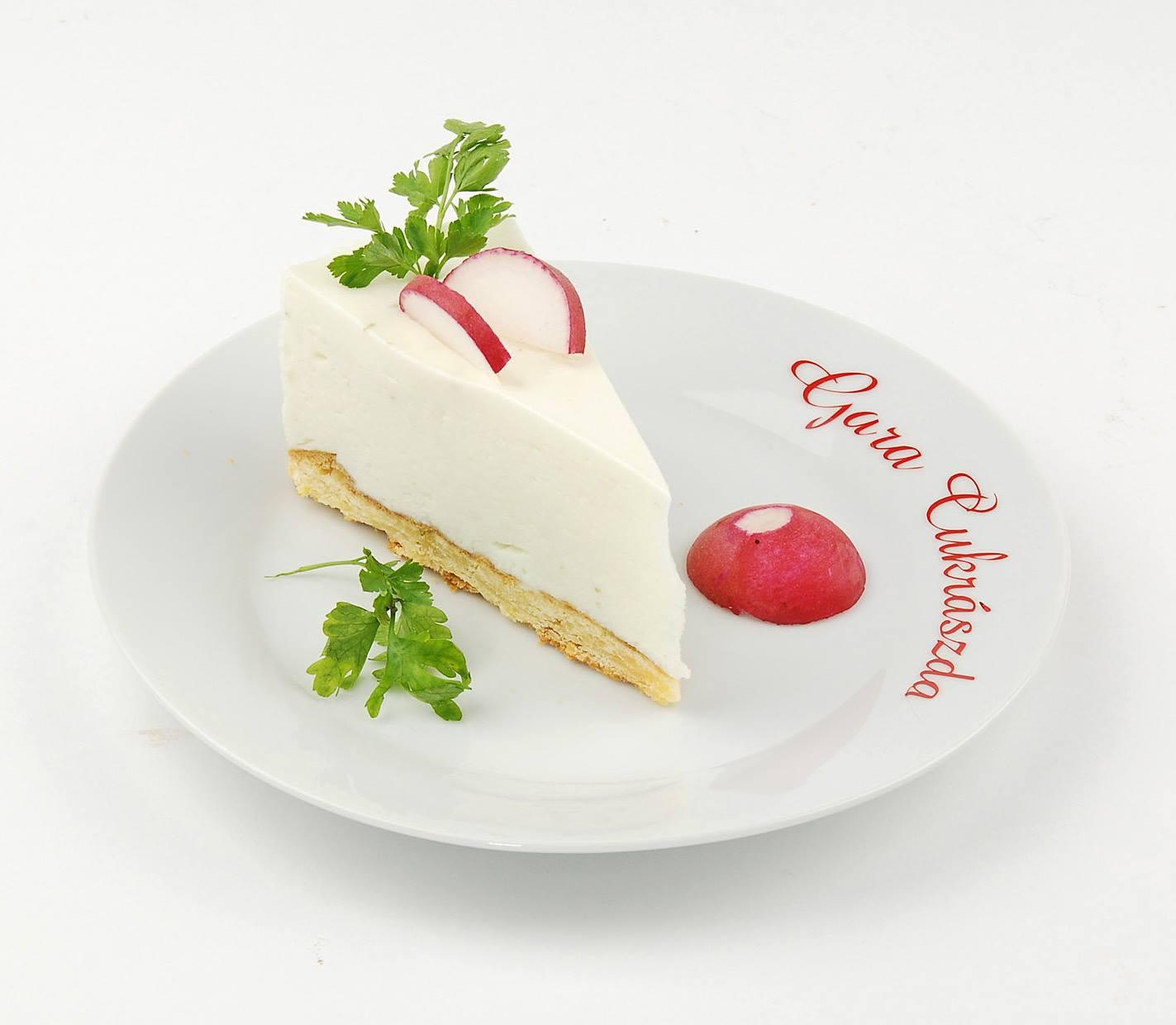 Zöldfűszeres sajt torta szelet