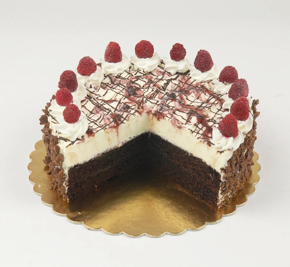 Málnás-fehétcsokis-brownie torta